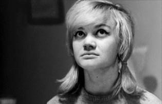 Les Amours d'une blonde (Lásky Jedné Plavovlásky, 1965)